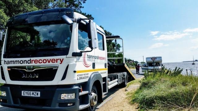 Motorhome breakdown recovery truck