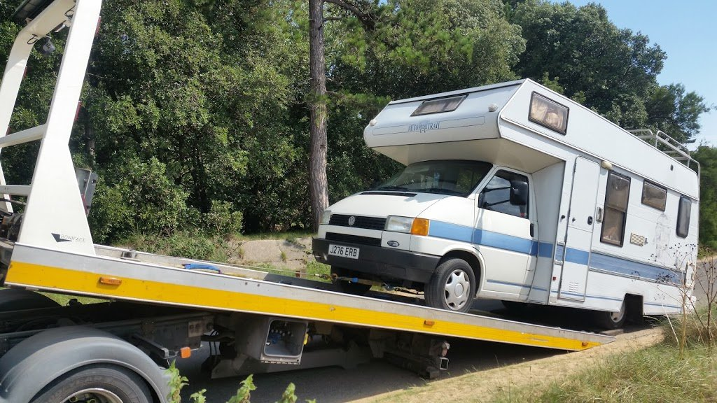 Our campervan break down, ten days before wedding road trip!