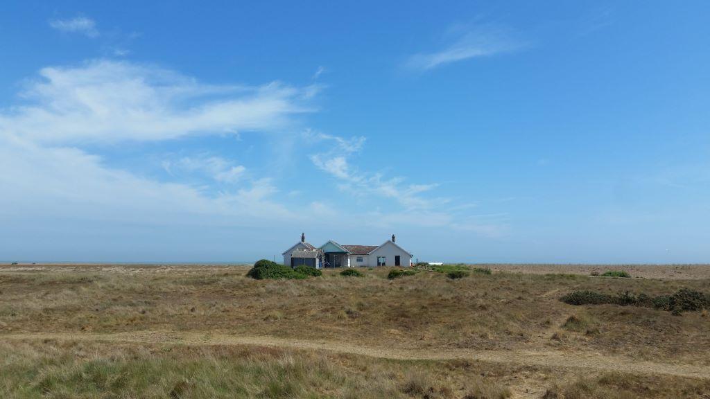 shingle street suffolk - desolate bungalow on beach